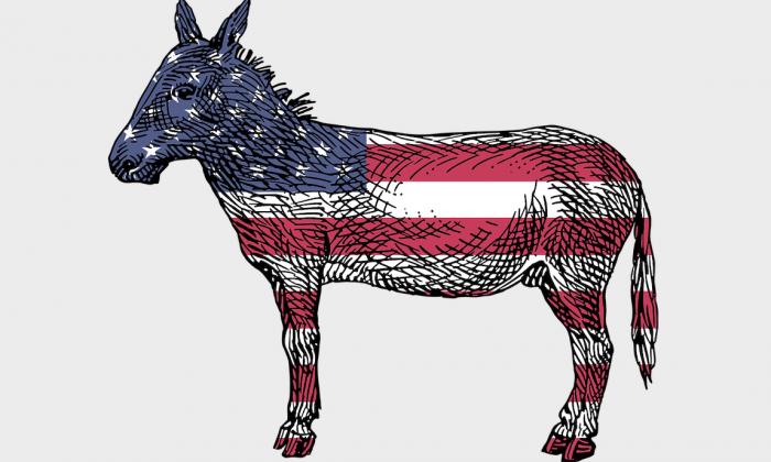Un burro, símbolo del Partido Demócrata, con la bandera estadounidense. (Pixabay)