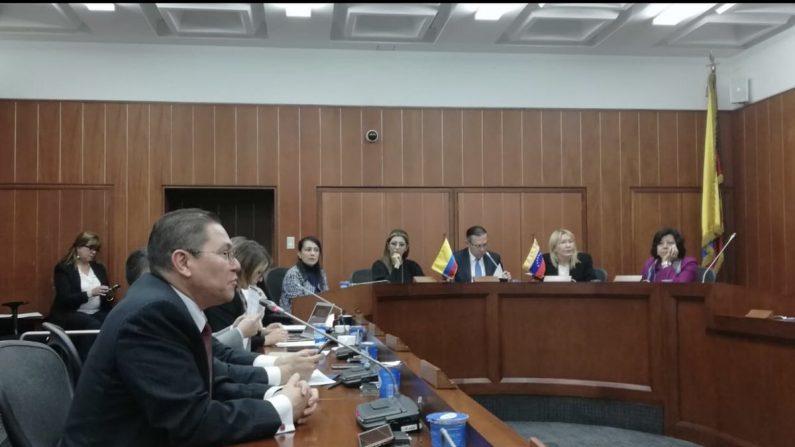 "Supremo venezolano en exilio autoriza ""coaliciónmilitaren misión de paz"" para ayuda humanitaria"