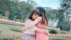 Mamá pierde a su hija en un accidente, pero calma su dolor con cartas que encuentra un mes después
