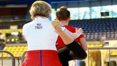 Una gimnasta olímpica con habilidades especiales rompe los estereotipos en la industria de la belleza