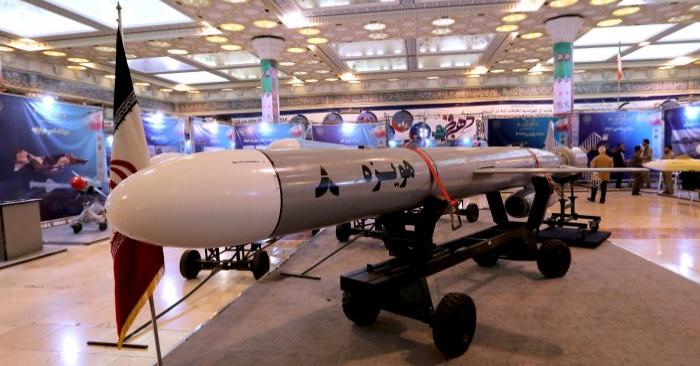 Hoveizeh, el nuevo misil de crucero de Irán, durante una exhibición en la capital, Teherán, el 2 de febrero de 2019. (Atta Kenare/AFP/Getty Images)