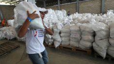 """Vicepresidente venezolana dice que ayuda alimentaria """"es cancerígena"""" según estudios científicos"""