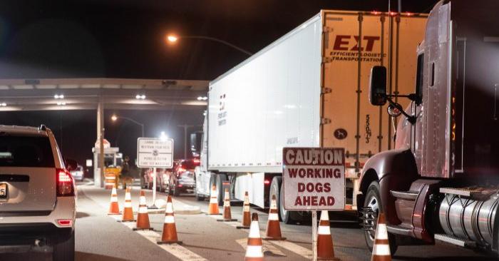 Un puesto de control de la Patrulla Fronteriza en la autopista 8 al este de Yuma, Arizona, el 25 de mayo de 2018. (Samira Bouaou/La Gran Época)