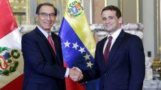 El presidente de Perú recibió cartas credenciales de embajador de Juan Guaidó