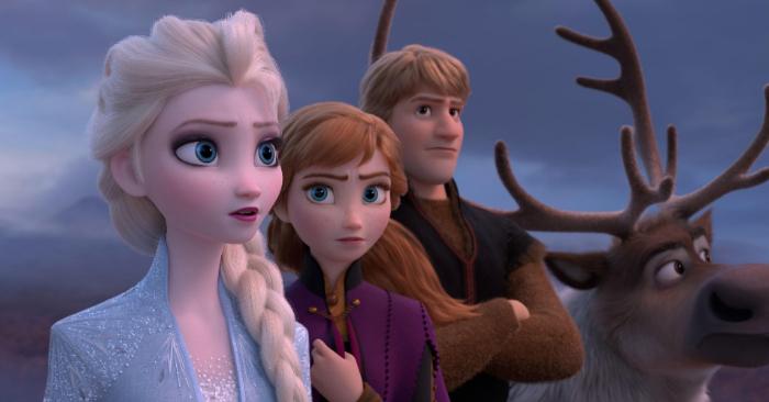 """Fotografía cedida por Disney donde aparecen los personajes Elsa, Anna, Kristoff y el reno Sven, durante una escena de """"Frozen 2"""". EFE/Disney"""