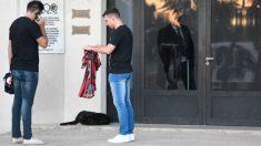 Nala, la perra de Emiliano Sala, aún lo seguía esperando en el velatorio