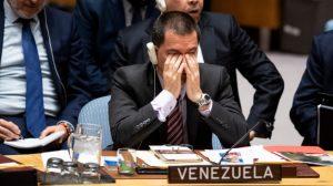 Dejan hablando solo al canciller de Maduro en una reunión de la ONU