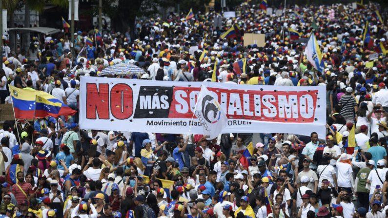Marcha opositora en Caracas, Venezuela, el 2 de febrero de 2019. (JUAN BARRETO/AFP/Getty Images)