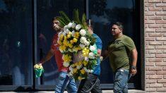 La persona que contrató el avión de Sala asistió a su funeral, entre otros europeos