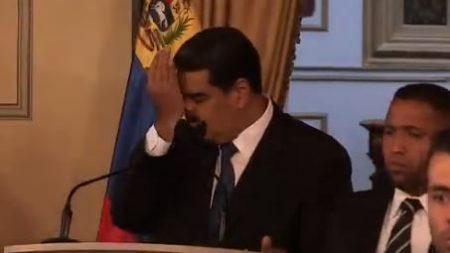 Dos apagones dejan a oscuras a Maduro mientras daba un discurso negando la crisis en Venezuela