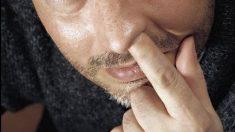 Descubre un diente creciendo en su nariz después de perder el olfato