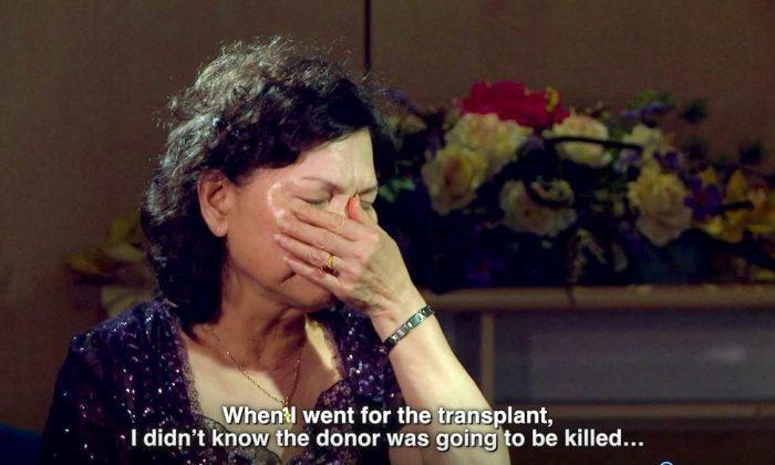 """Xiusong Tu, residente de Taiwán, hablando sobre su cirugía de trasplante en China en el documental """"Cosecha Humana"""". (Cortesía del documental """"Cosecha Humana"""")"""