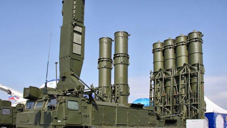 Sistema de misiles de Defensa Aérea rusos S-300VM están instalados en los alrededores de Caracas Venezuela y en la frontera con Brasil, de acuerdo a la inteligencia israeliana, Imagen de archivo. (Wikimedia Commons)