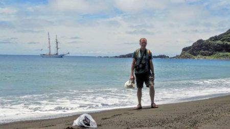 Sorprendente isla que surgió en Tonga tiene un barro que parece brotar de la nada