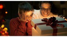 Un niño destrozado por la pérdida de sus hermanos recibe el mejor regalo del mundo