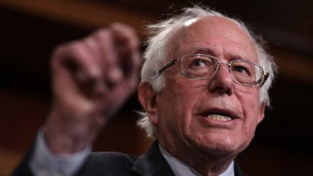 Senador socialista Bernie Sanders se niega a pedir la renuncia del dictador Nicolás Maduro