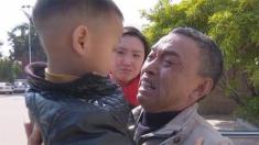 Padres venden a su hijo de 3 años y su abuelo logra traerlo a casa después de un año de búsqueda