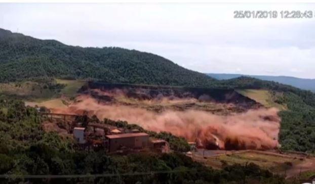 Nuevo vídeo muestra el momento exacto en que se rompe la represa de Brasil