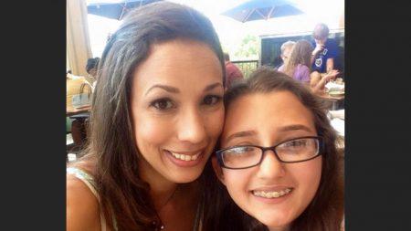 Se enteró que sus hijas molestaron a una mamá en el cine, la buscó en las redes y le pidió perdón