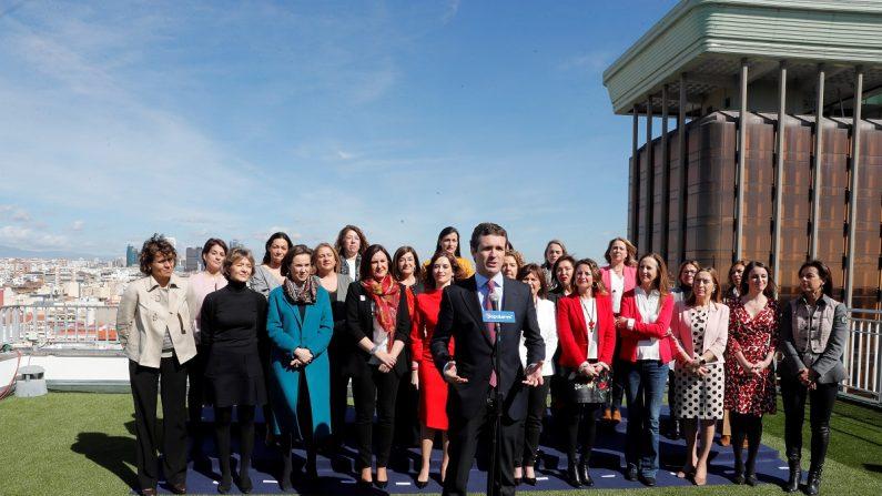 El presidente del PP, Pablo Casado, durante su intervención en la clausura de un acto con candidatas autonómicas y municipales del PP con motivo Día Internacional de la Mujer. EFE