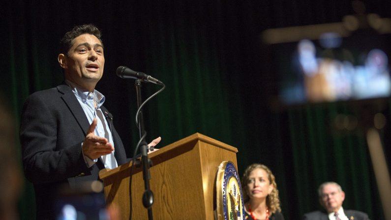 El embajador en Estados Unidos del gobierno encargado de Venezuela, Carlos Vecchio. EFE/EPA/File