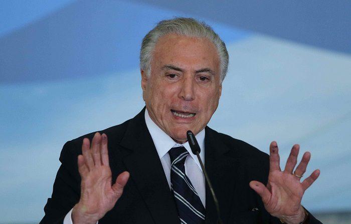 La Policía Federal brasileña arrestó este jueves al expresidente Michel Temer (2016-2018) en un caso vinculado a la Lava Jato, como es conocida la mayor operación de combate a la corrupción en la historia de Brasil y que destapó un gigantesco escándalo de desvíos de la petrolera estatal Petrobras. EFE/Andrés Cristaldo