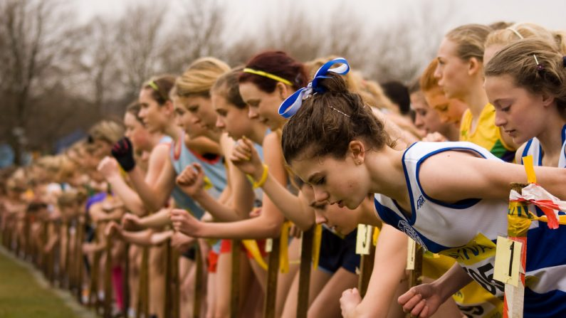 Imagen ilustrativa de una competencia de Campo Traviesa. (AdamKR   Flickr)