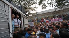 Lanzan bomba lacrimógena en acto del presidente Guaidó en bastión chavista en Caracas