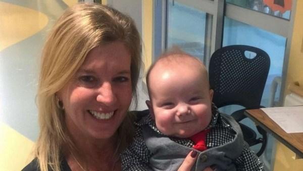 Angela Farnan junto a su hijo Blaze. (ANGELA FARNAN a través de 20minutos.es)