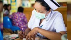 Enfermera china que no habla inglés escribe una hilarante nota a un paciente extranjero y es viral