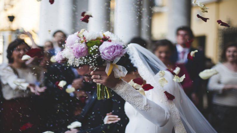 3 hermanas simulan sus bodas para que su papá con enfermedad terminal pueda morir feliz