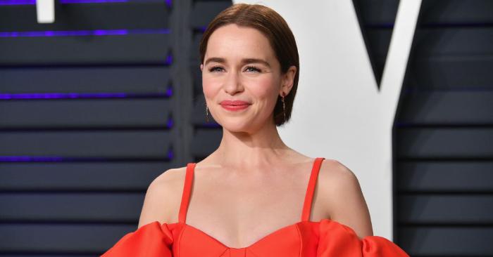 Emilia Clarke asiste a la fiesta de los Oscar de 2019 Vanity Fair organizada por Radhika Jones en el Centro Wallis Annenberg para las Artes Escénicas, el 24 de febrero de 2019, en Beverly Hills, California. Foto de Dia Dipasupil/Getty Images.