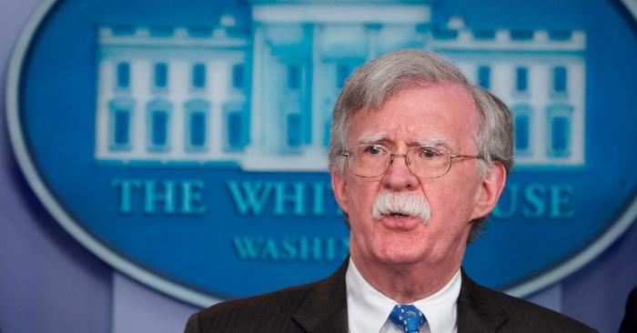 El asesor de seguridad nacional John Bolton habla durante una sesión informativa en la Sala de Reuniones Brady de la Casa Blanca en Washington, DC, el 28 de enero de 2019. (Foto de MANDEL NGAN/AFP/Getty Images)
