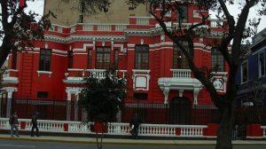 Representantes de Guaidó impiden que diplomáticos de Maduro vacíen embajada venezolana en Lima
