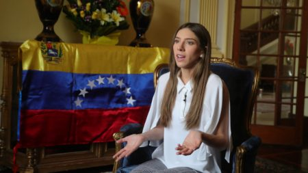 """""""El retorno a casa comenzó"""", aseguró esposa de Guaidó a venezolanos en Perú"""