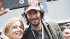 Keanu Reeves ayuda a sus compañeros de vuelo tras un aterrizaje de emergencia en California