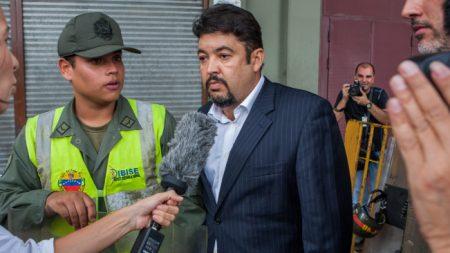 Acusan de terrorismo a mano derecha de Guaidó para tapar denuncias de tortura, advierte exchavista