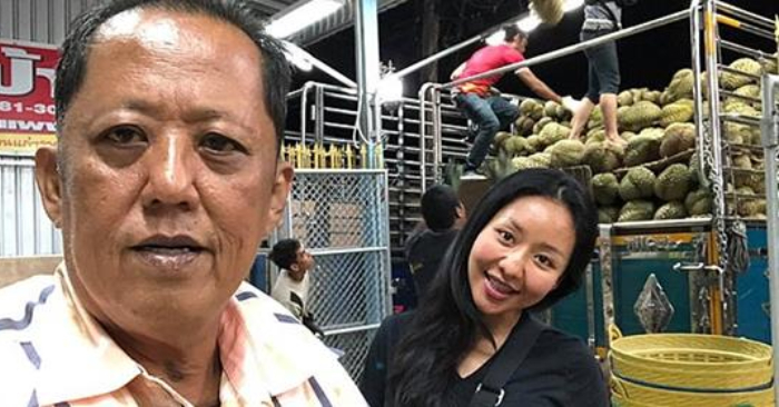 El empresario tailandés Arnon Rodthong y su hija Karnsita. Captura de Viral Press.