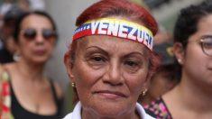 """Maduro calificó de """"sabotaje"""" al apagón y Guaidó le recordó que la emergencia eléctrica lleva una década"""