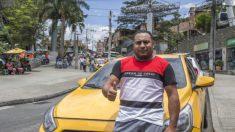 Taxista colombiano buscó a 2 mujeres que dejaron 12.600 dólares olvidados en su auto