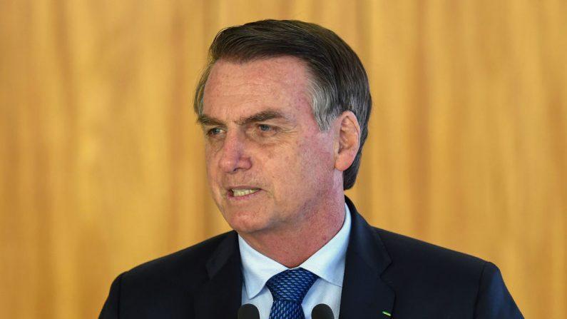 El presidente brasileño Jair Bolsonaro habla durante una conferencia de prensa conjunta con el presidente argentino Mauricio Macri (fuera de marco) en el Palacio de Planalto en Brasilia, el 16 de enero de 2019. (Foto de EVARISTO SA/AFP/Getty Images)