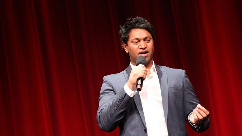 Saroo Brierley asiste a la proyección especial de `LION' LA el 22 de noviembre de 2016 en Beverly Hills, California. (Tommaso Boddi/Getty Images para TWC - Dimension Films)