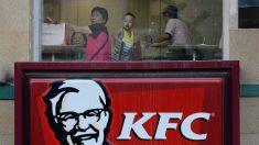 Restaurante estadounidense en China difunde propaganda comunista a través de un presunto héroe