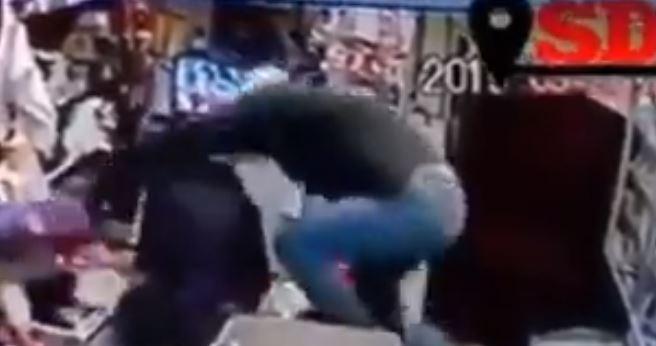 Dos venezolanas dieron inolvidable golpiza a ladrón que intentó robar un minimarket en Viña del Mar