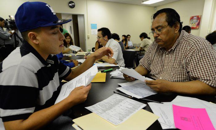 En EEUU, los no ciudadanos usan casi el doble de asistencia social que quienes son ciudadanos