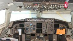 Madre e hija se vuelven virales cuando son descubiertas piloteando un Boeing 757