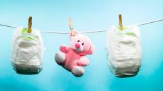 Sucia industria de China recicla desechos médicos en juguetes y toallas higiénicas en pañales