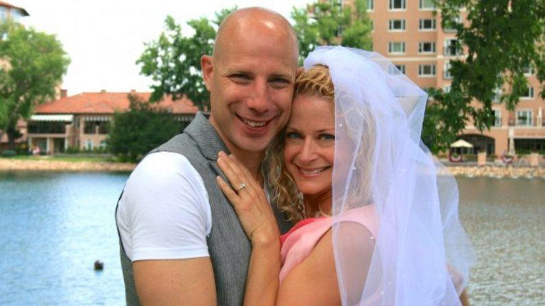 Evan y Susan Money después de la boda #19 en Colorado Springs, Colorado. (Cortesía de Evan y Susan Money)