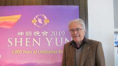 Reconocido violinista disfruta de la música, danza y producción de Shen Yun