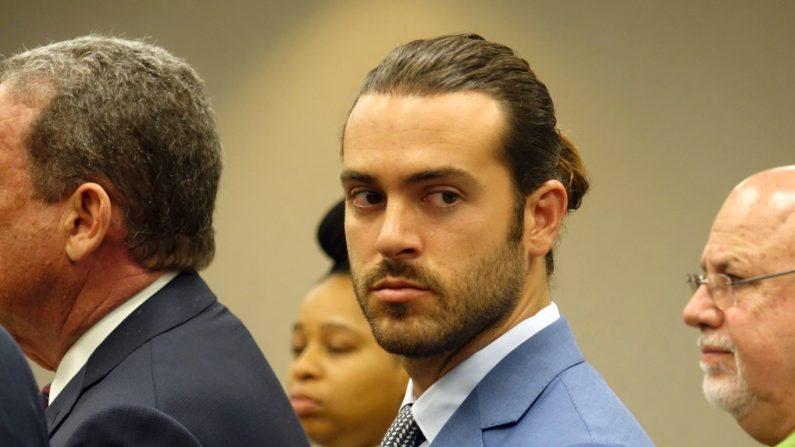 El actor de telenovelas mexicano Pablo Lyle, asiste a una audiencia el 8 de abril de 2019, en un tribunal de Miami, Florida (Estados Unidos). EFE/ David Ovalle